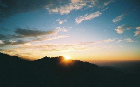 ヒマラヤの夜明け